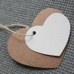 etiqueta cartón forma corazón colores y tamaños combinables