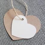 etiqueta cartulina kraft forma corazon