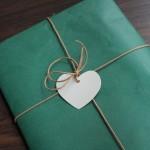etiqueta cartón corazón para regalos